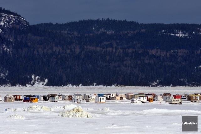 Les propriétaires de cabanes à pêche du secteur... (Archives Le Quotidien, Rocket Lavoie)