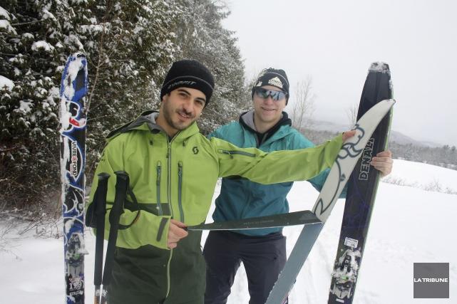 Adepte du ski de montagne, Francis Laurier-Busque montre... (La Tribune, Jean-François Gagnon)