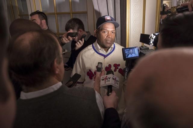 L'équipe ayant quitté Montréal en 2004, Tim Raines... (AP, Mary Altaffer)