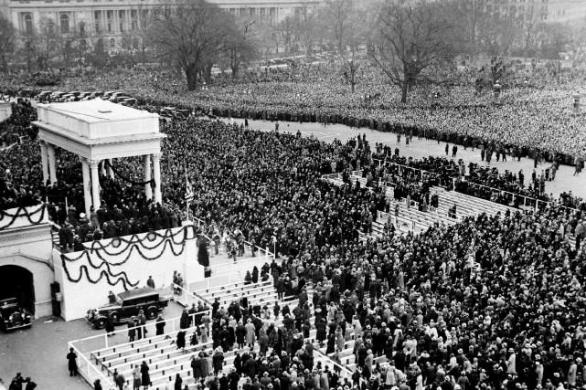 Près de 250 000 personnes s'étaient massées pour... (The Associated Press)