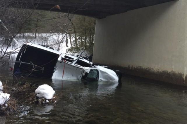 Un homme de 54 ans de Val-des-Monts a perdu la vie jeudi après-midi après que... (Courtoisie, Police de la MRC des Collines)