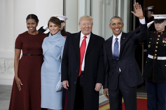 Barack et Michelle Obama ont accueilli vendredi matin... (AP, Evan Vucci)