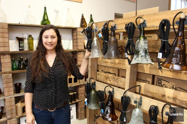 Dans sa boutique-atelier de Lac-Brome, Caroline Couture fabrique... (Alain Dion, La Voix de l'Est)