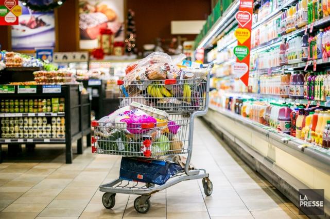 L'indice des prix des aliments a diminué pour... (PHOTO MARTIN TREMBLAY, ARCHIVES LA PRESSE)