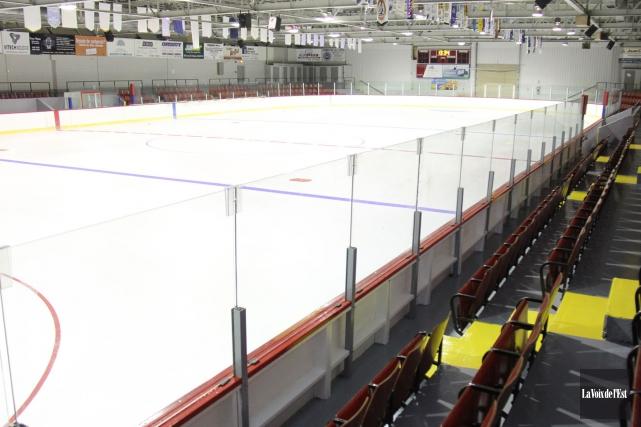 L'aréna Guy-Nadeau, à Saint-Césaire... (Janick Marois, archives La Voix de l'Est)