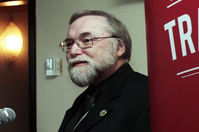 Le maire de La Pêche, Robert Bussières, maintient...