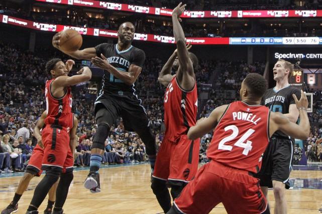 Kemba Walker a orchestré la victoire des Hornets.... (Photo AP)