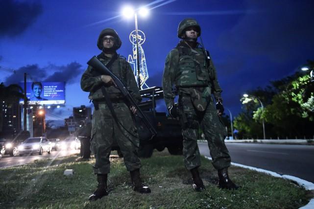 Quelque 650 militaires étaient en cours de déploiement,... (Photo REUTERS)