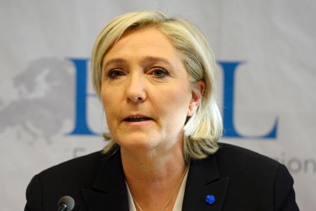 Marine Le Pen... (AFP, Roberto Pfeil)