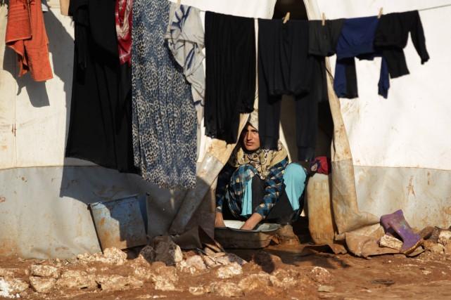 Quelque 85000 déplacés se trouvent dans un camp... (Photo Khalil Ashawi, REUTERS)