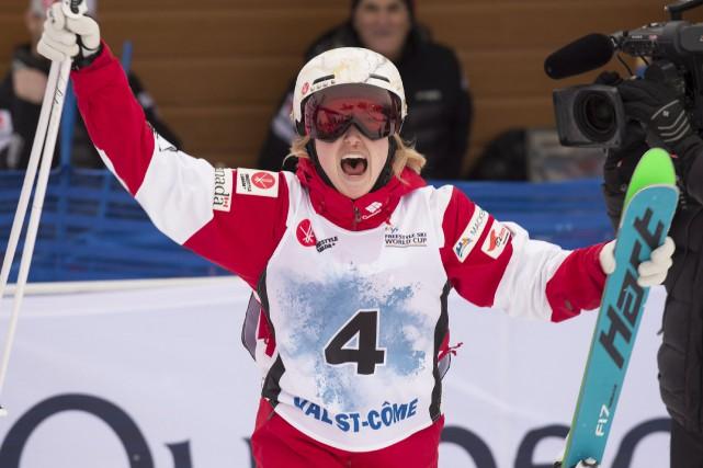 Comme l'an dernier, Justine Dufour-Lapointe est montée sur... (Photo Jacques Boissinot, La Presse canadienne)
