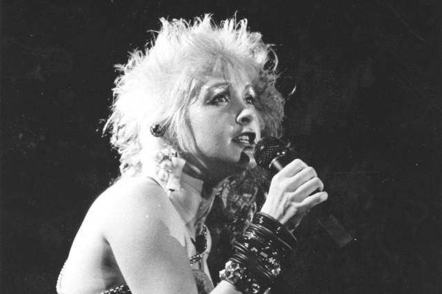 Cyndi Lauper, toujours très à l'aise sur scène,... (Archives Le Soleil)