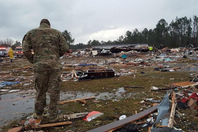 La tempête a provoqué d'importants dégâts.... (Photo Reuters)