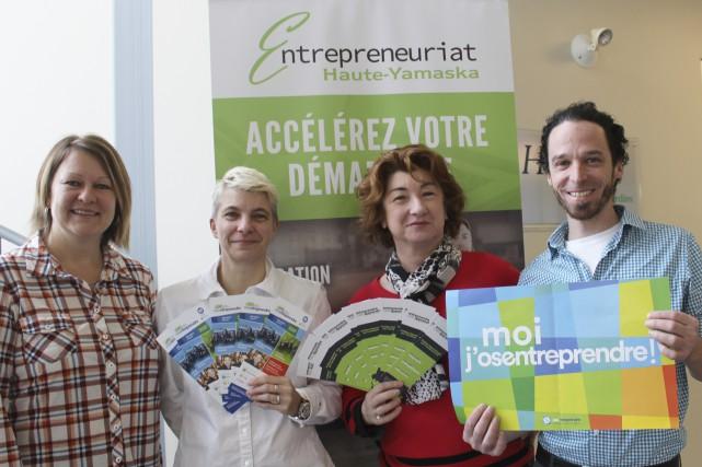 De gauche à droite: Carole Gatien, responsable des... (fournie)