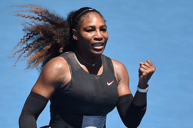 Serena Williams a accédé aux quarts de finale des Internationaux d'Australie... (PHOTO AFP)