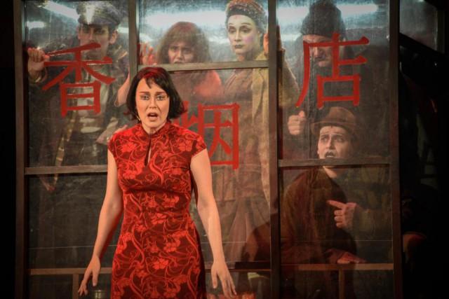 La prostituée Shen-Té est l'un des deux personnages... (Photo Yves Renaud, fournie par le TNM)
