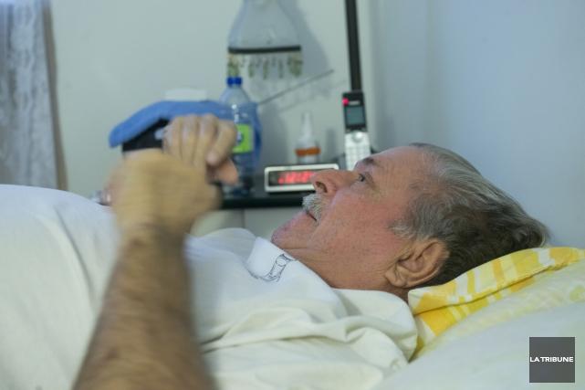 Évincé de l'hôpital en pleine nuit samedi, Roger... (Archives, La Tribune)