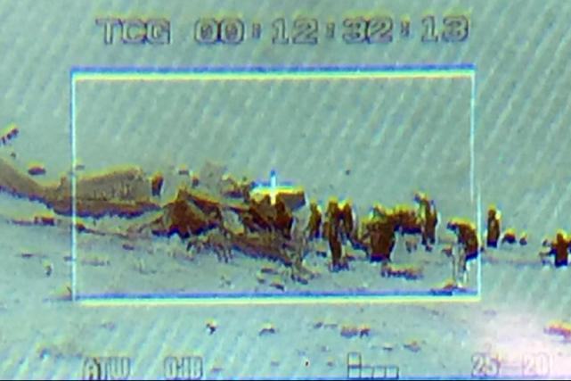 Un hélicoptère de secours s'est écrasé mardi matin... (Image tirée de Twitter)