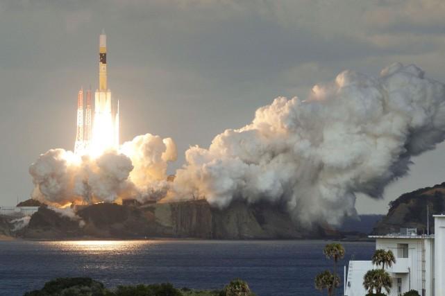 Le lancement de la fusée H2-A a eu... (photo REUTERS)