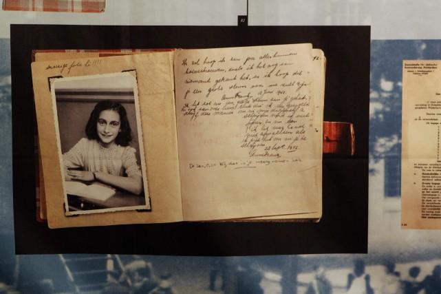 Lecélèbre journal d'Anne Frank s'est vendu à plus... (Photo Bas Czerwinski, ASSOCIATED PRESS)