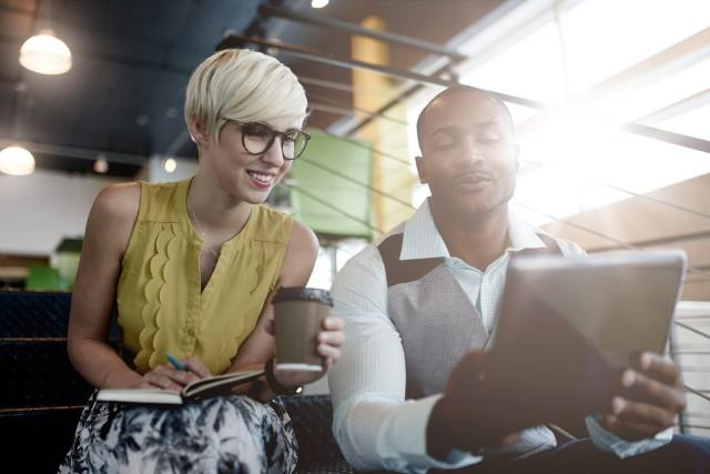 Les 20 à 35 ans ont pris d'assaut le marché du travail. Ils sont jeunes, ils... (123RF/julief514)