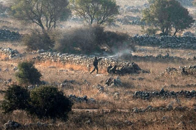 Des combats ont éclaté tôt mardi entre desdjihadistes... (photo archives REUTERS)