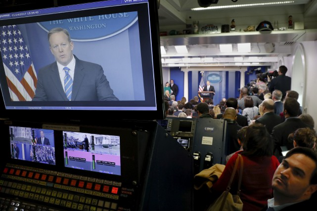 Sean Spicer, le porte-parole de la Maison-Blanche, a... (AP, Pablo Martinez Monsivais)