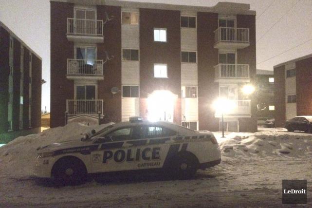 L'intervention des policiers s'est déroulée dans un appartement... (Étienne Ranger, LeDroit)