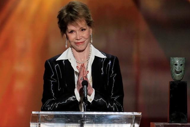 Mary Tyler Moore lors de la cérémonie des... (PHOTO ARCHIVES REUTERS)