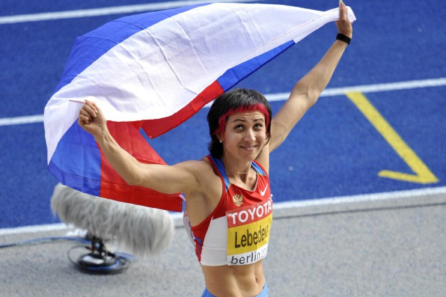 La Russe Tatyana Lebedeva devra rendre ses médailles... (Photo Gero Breloer, archives AP)