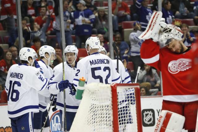 Cette victoire permet aux Maple Leafs de devancer... (Photo Paul Sancya, AP)
