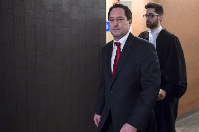 Michael Applebaum à sa sortie de la cour... (La Presse canadienne, Paul Chiasson)