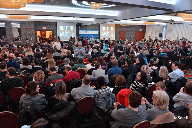 Réunis lors de deux assemblées générales tenues simultanément... (Photo Patrice Laroche, Le Soleil)