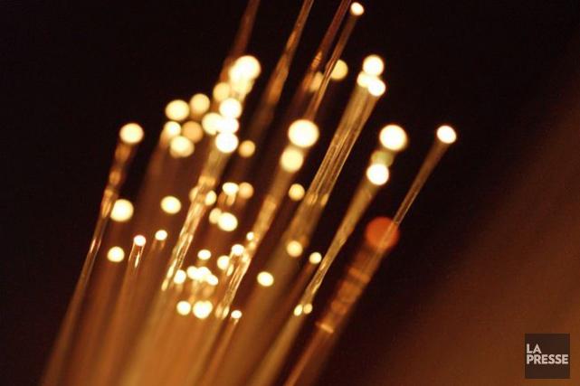 Un réseau de télécommunications sur fibre optique sera disponible à l'automne... (Photothèque La Presse)
