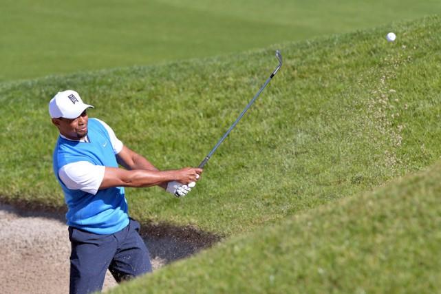 Tiger Woods a connu des ennuis sur les... (PHOTO REUTERS)