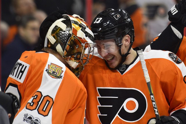 Michal Neuvirth a stoppé 27 tirs devant le... (Photo Derik Hamilton, Associated Press)