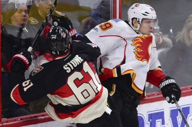 Mark Stone génère régulièrement des chances de marquer... (La Presse canadienne)