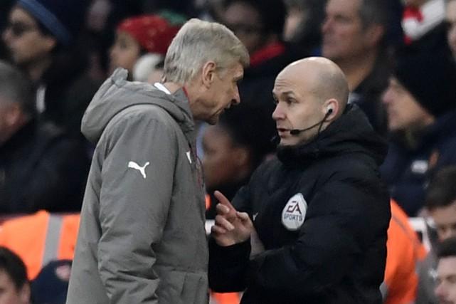 L'entraîneur d'Arsenal Arsène Wenger (à gauche) a été... (Photo Dylan Martinez, Reuters)