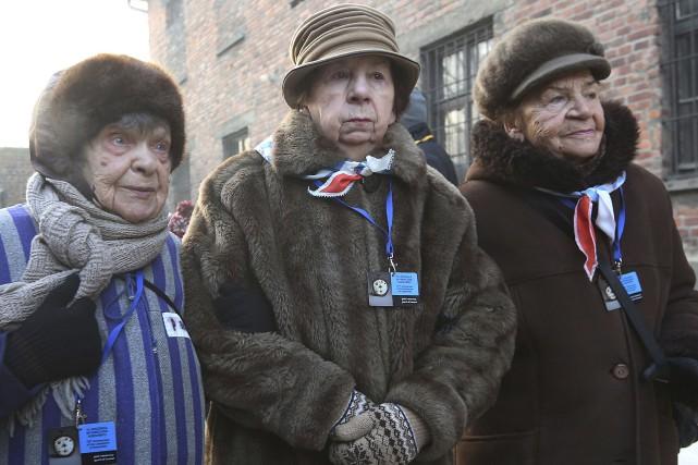 Des survivantes d'Auschwitz ont commémoré, vendredi, le 72e... (AP, Czarek Sokolowski)