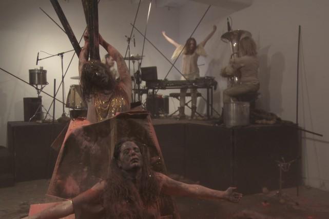 B.L.U.S.H. a offert une performance artistique d'une grande... (Courtoisie, Télé-Québec Saguenay-Lac-St-Jean)
