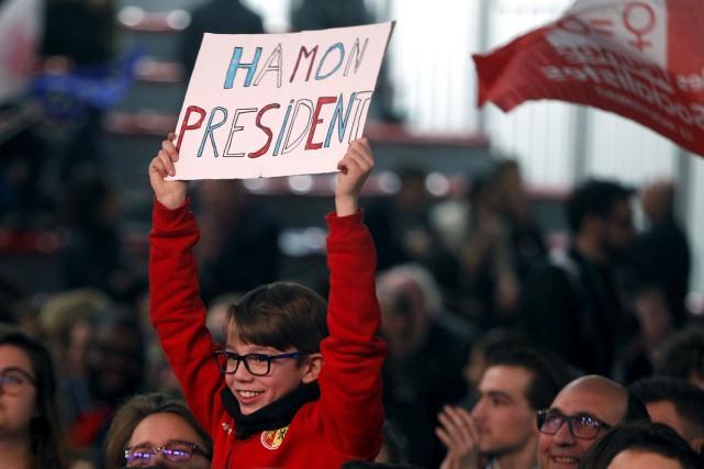 Dimanche, les électeurs français choisiront qui de Benoît... (AP, Michel Spingler)