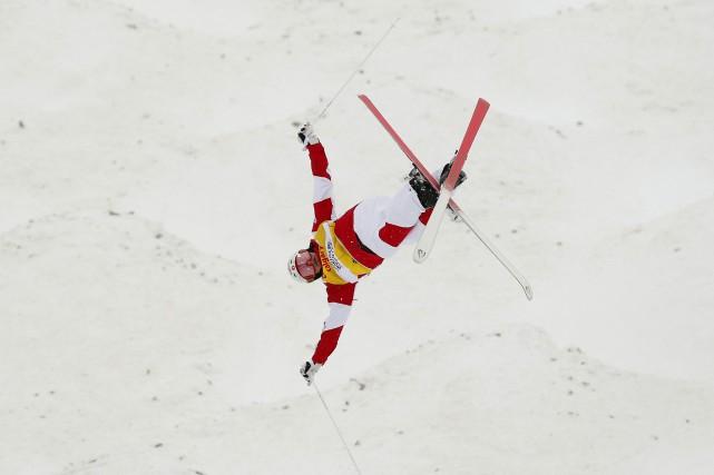 Mikaël Kingsbury a terminé deuxième à Calgary.... (Photo Todd Korol, La Presse canadienne)