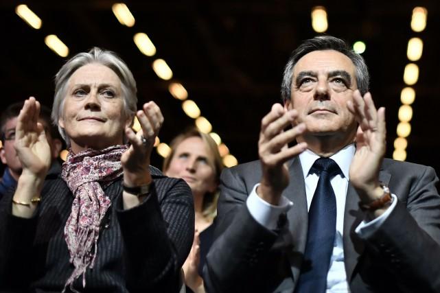 M. Fillon a une nouvelle fois riposté aux... (Photo AFP)