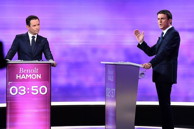 Les candidats Benoît Hamon et Manuel Valls ont... (PHOTO BERTRAND GUAY, ARCHIVES AFP)