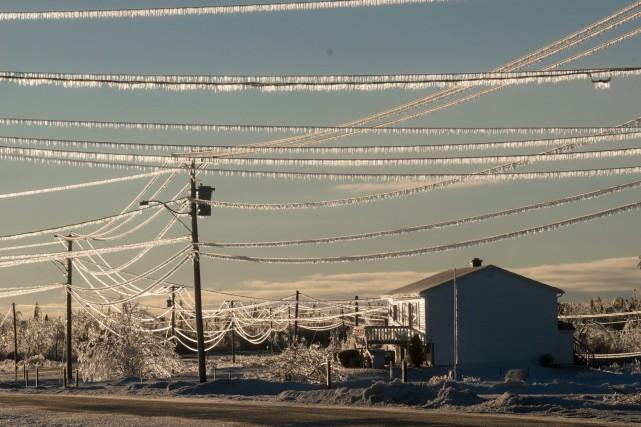 Énergie Nouveau-Brunswick a rapporté que plus de 25... (Photo La Presse Canadienne)