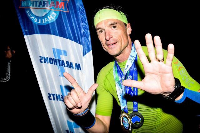 Patrick Charlebois a réussi à courir sept marathons... (World Marathon Challenge/Facebook)