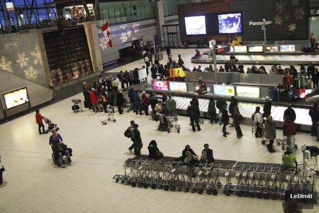 L'aéroport d'Ottawa... (Etienne Ranger, archives Le Droit)