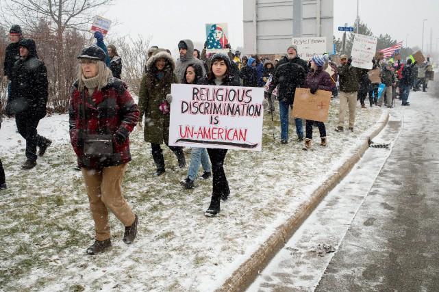 Des manifestants se sont mobilisés aux quatre coins... (AP)