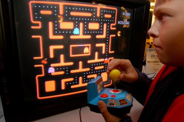 Le petit personnage jaune de Pac-Man, avalant tout... (AP)