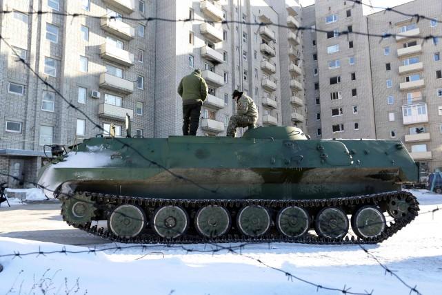 Les combats se concentraient lundi à Avdiïvka, qui... (AFP)